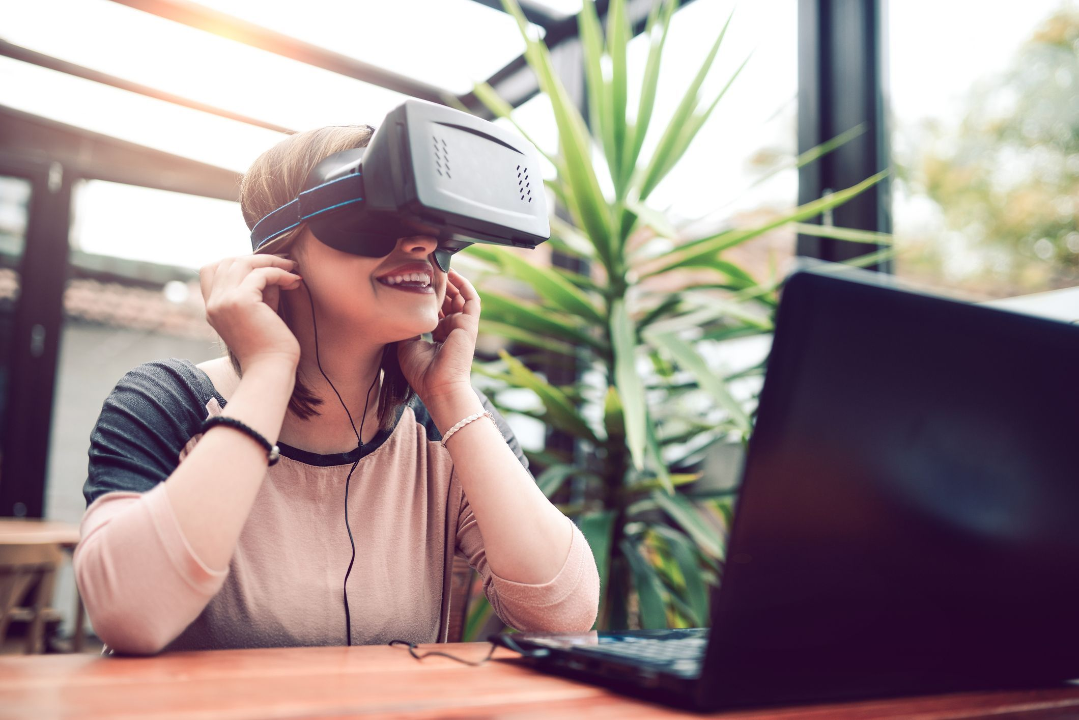 Virtual Experiences to Simulate Travelling Fun
