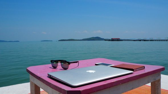 Money Tips for Digital Nomads Who Live on the Road