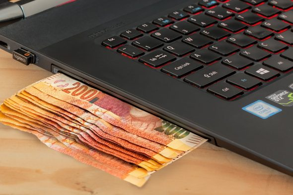 How to Handle Money as a Digital Nomad